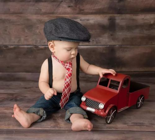 мальчик с машиной